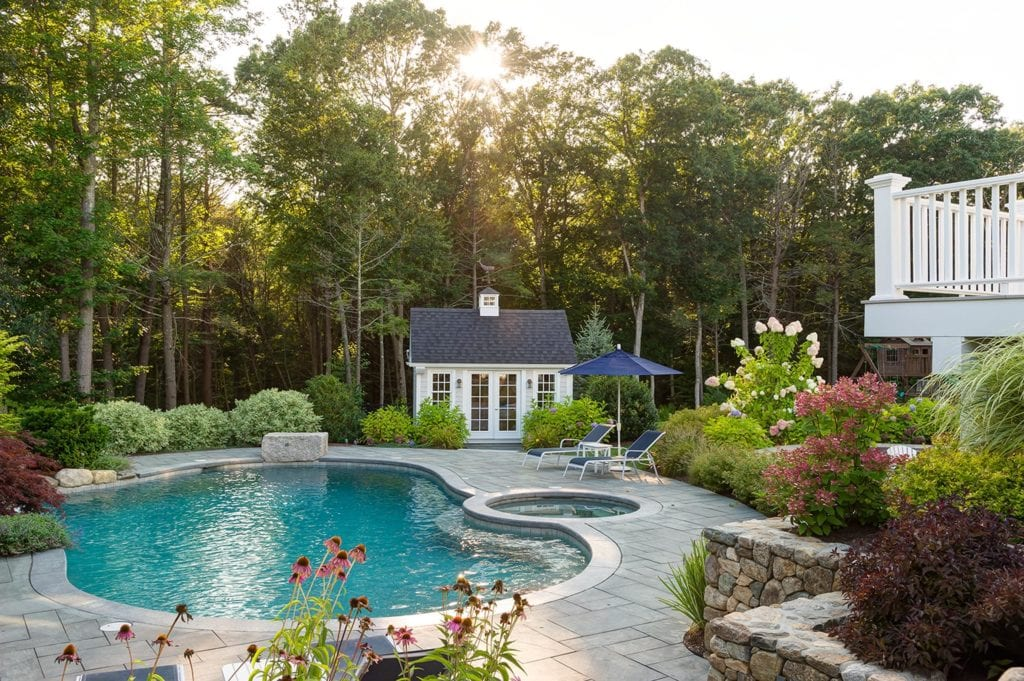standard gunite pool shape